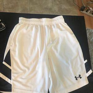 White basket shorts